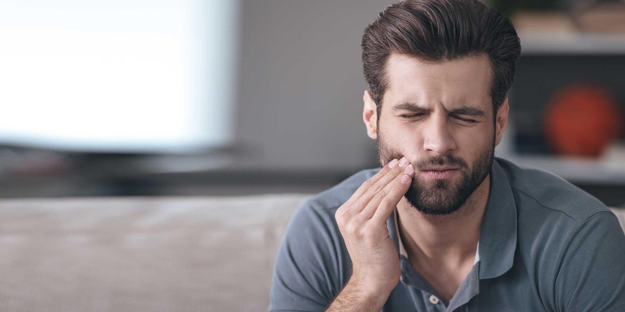 patient experiencing toothache